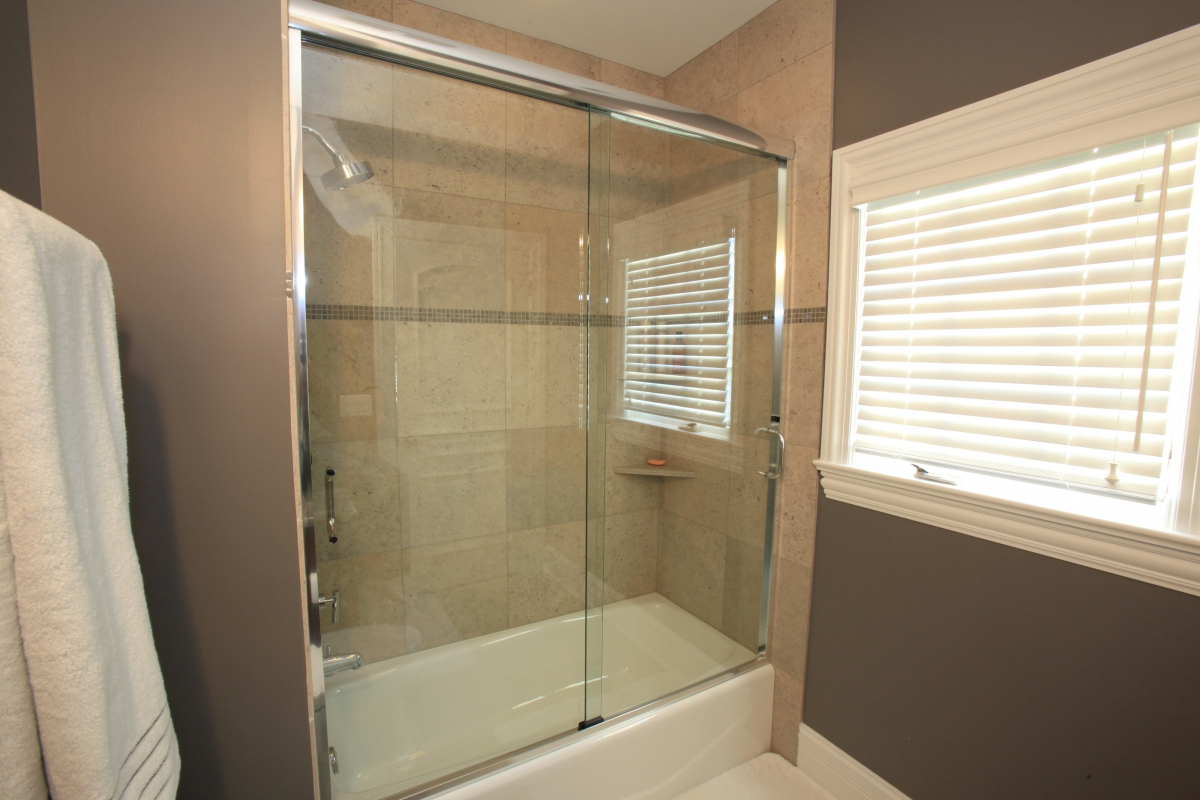 Bypass Slider Doors & Bypass Slider Doors | Interior Glass Design - Custom Frameless ...